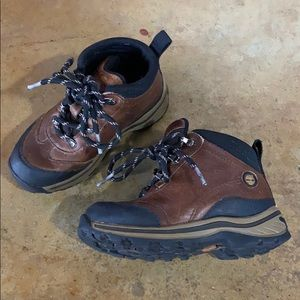Toddler boys size 9 timberland boots